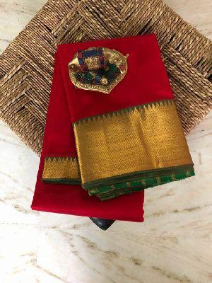 Mangalagiri Pattu Sarees With Contrast Pallu And Blouse
