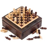 Rosewood Pegged Chess Set
