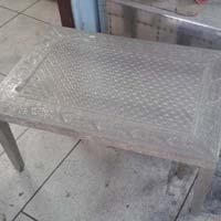 White Metal Embossed Coffee Table (NB-WMCFTL-105)