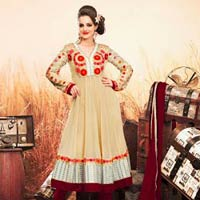 Fashionable Sassy Look Attractive Embroidered Wedding Salwar Kameez
