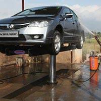 Hydraulic Car Washing Lift.