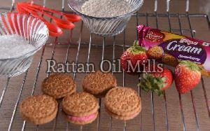 Royal Cream Strawberry Biscuits