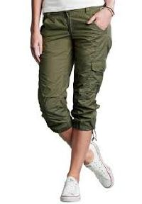 Girls Cargo Capris - Manufacturers, Suppliers & Exporters in India