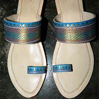 Ladies Box Heels Kolhapuri Chappals