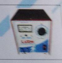 12 voit 5 amp Battery Chatger